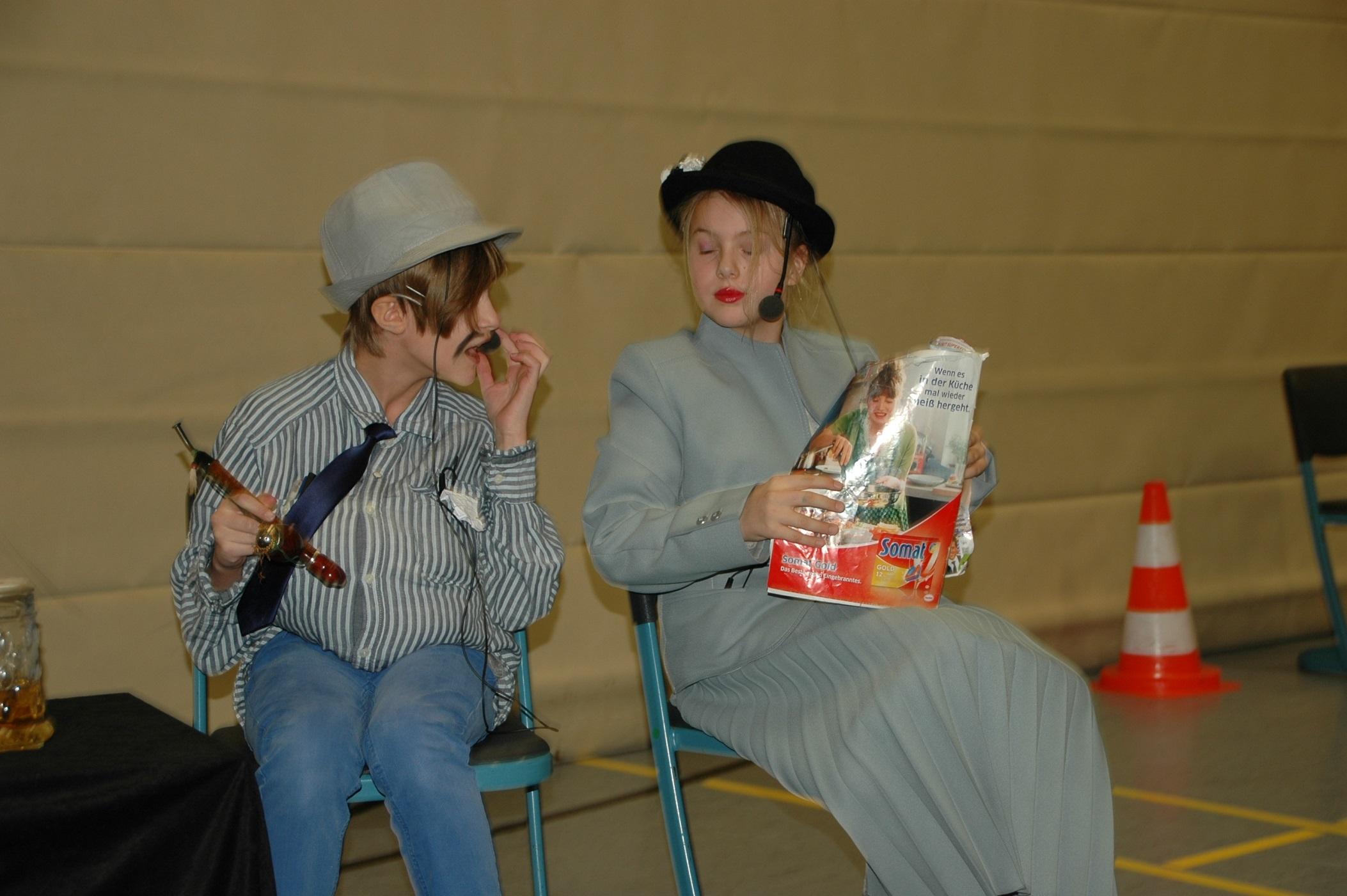 Weihnachtsfeier Theaterstück.Weihnachtsfeier Im Kleinen Rahmen Grundschule Und Mittelschule Velburg